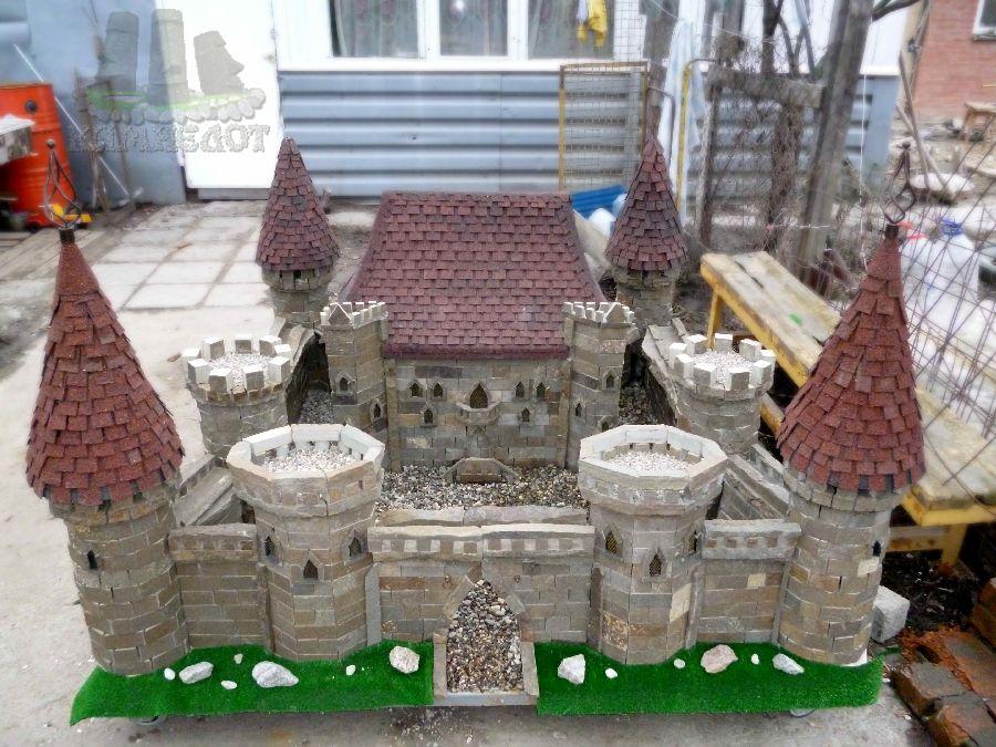 Замок своими руками на даче